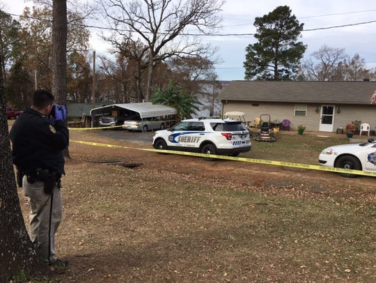 9960 Scaife Road in Mooringsport was the scene of an