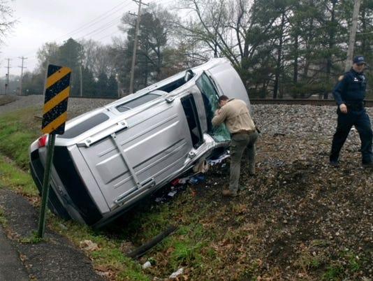 636563866776187853-crash.jpg