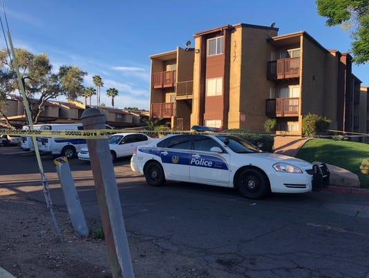 2 men found fatally shot at Phoenix apartment complex