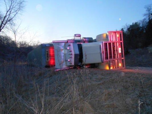 Deputies investigate Fayette County semi-truck rollover