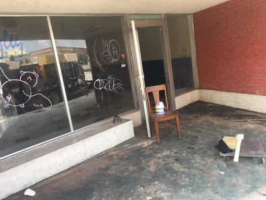 Before renovations began, one half of 514 Crockett