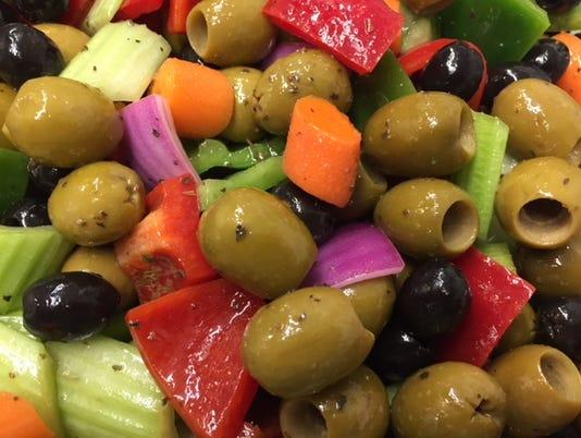 uask23-olive salad