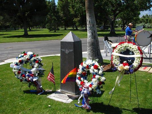 636677221943609126-LGBT-memorial.jpg
