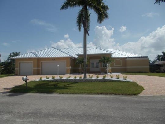 This home at 3207 SE 19th Place, Cape Coral, recently