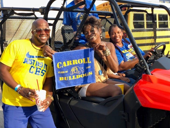 Carroll Bulldogs celebrate homecoming with a huge tailgate