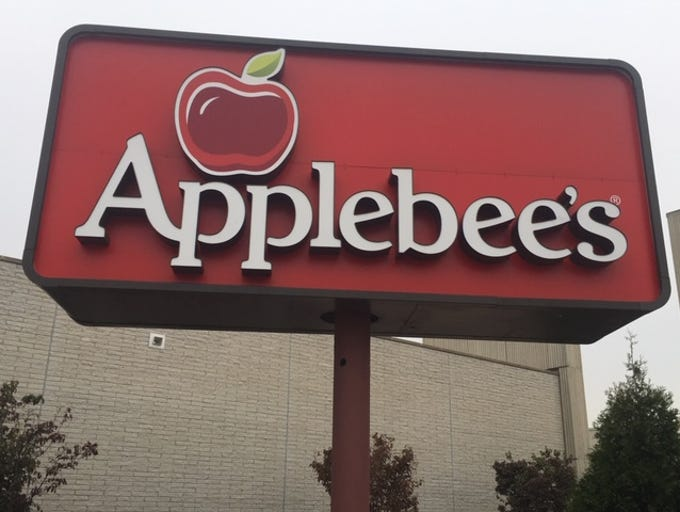 The new Woodbridge Center Applebee's.