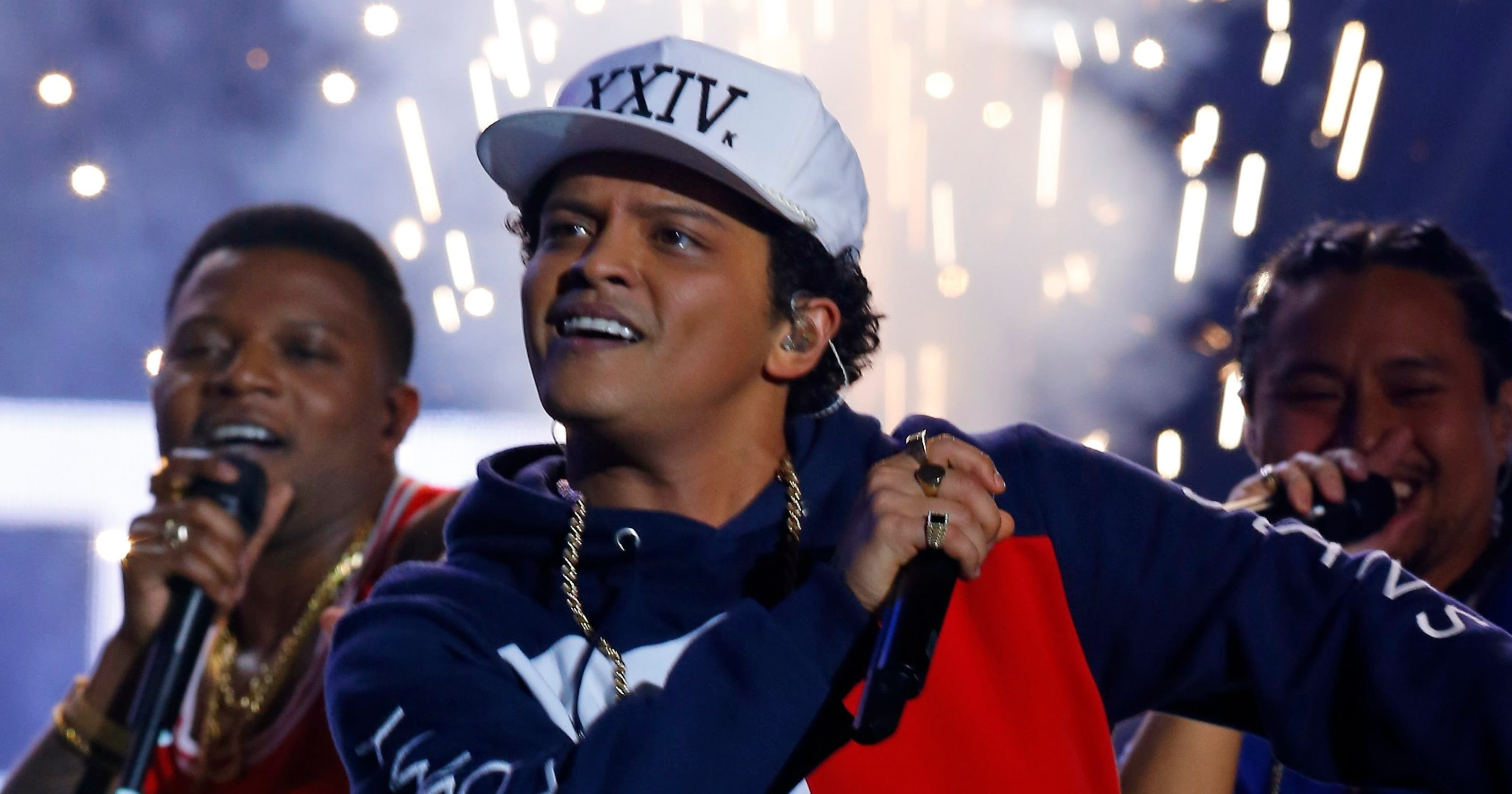 Bruno Mars celebrates new video by dancing outside Indy Waffle House