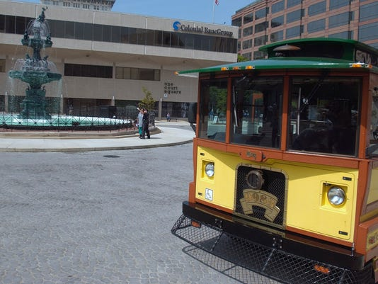-trolley4.jpg_20070424.jpg