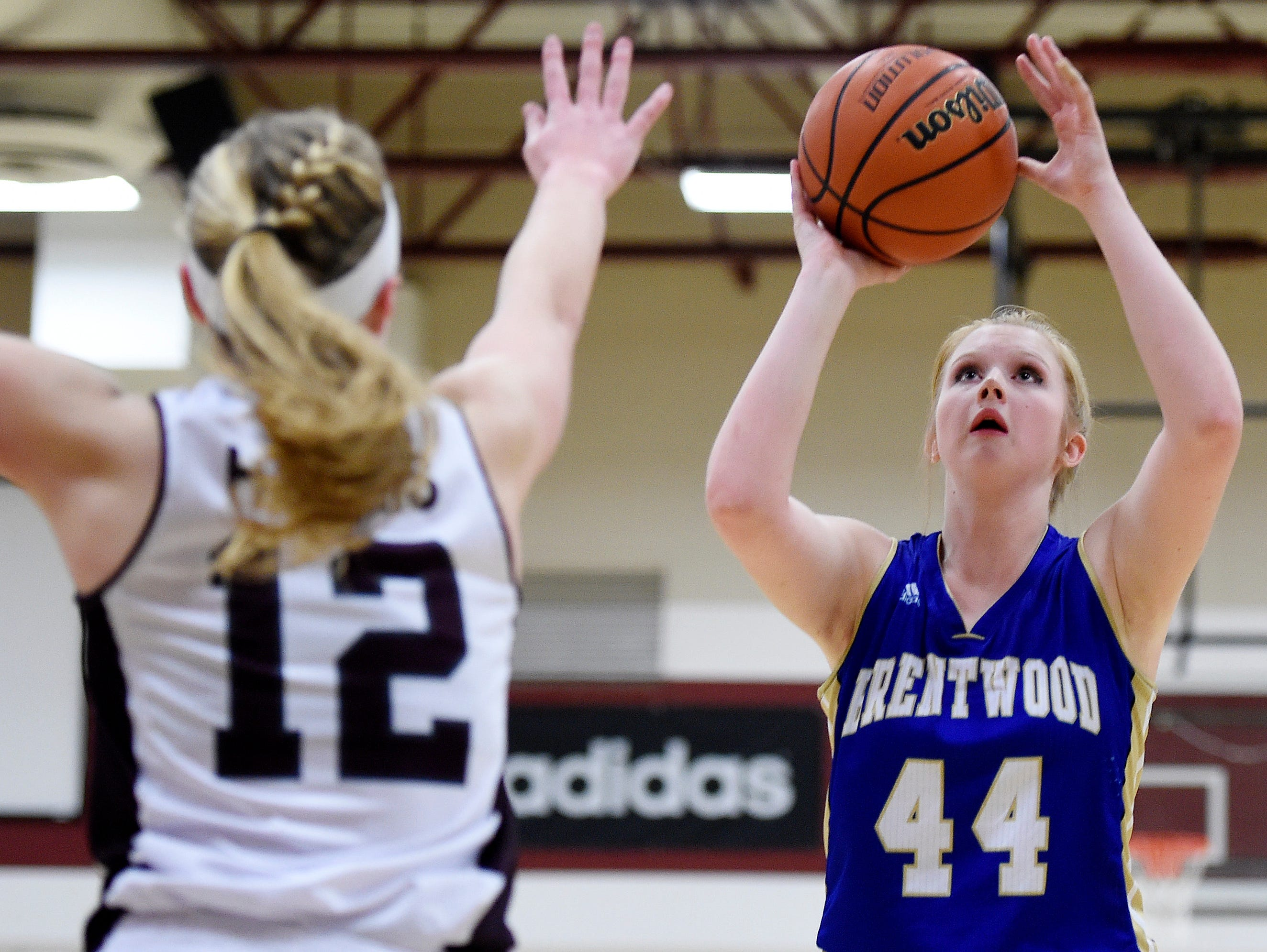 Brentwood's AK Lawrence (44) shoots over Franklin's Holly Harris (12) during the second half at Franklin High School, Tuesday, Feb. 16, 2016, in Franklin, Tenn.