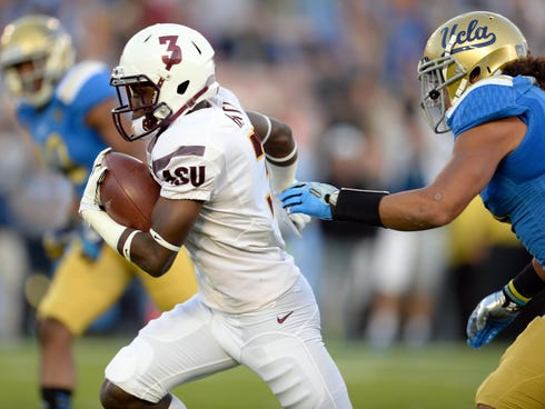 Arizona State wide receiver Richard Smith runs 34 yards during the first quarter Saturday against UCLA at the Rose Bowl.