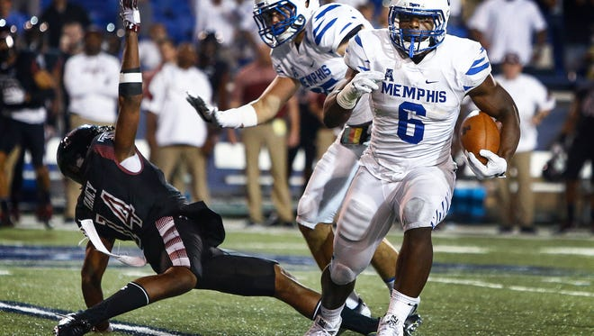 University of Memphis linebacker Genard Avery (right)led the Tigers with 11 tackles for a loss and five sacks in 2016 en route to first-team all-American Athletic Conference honors