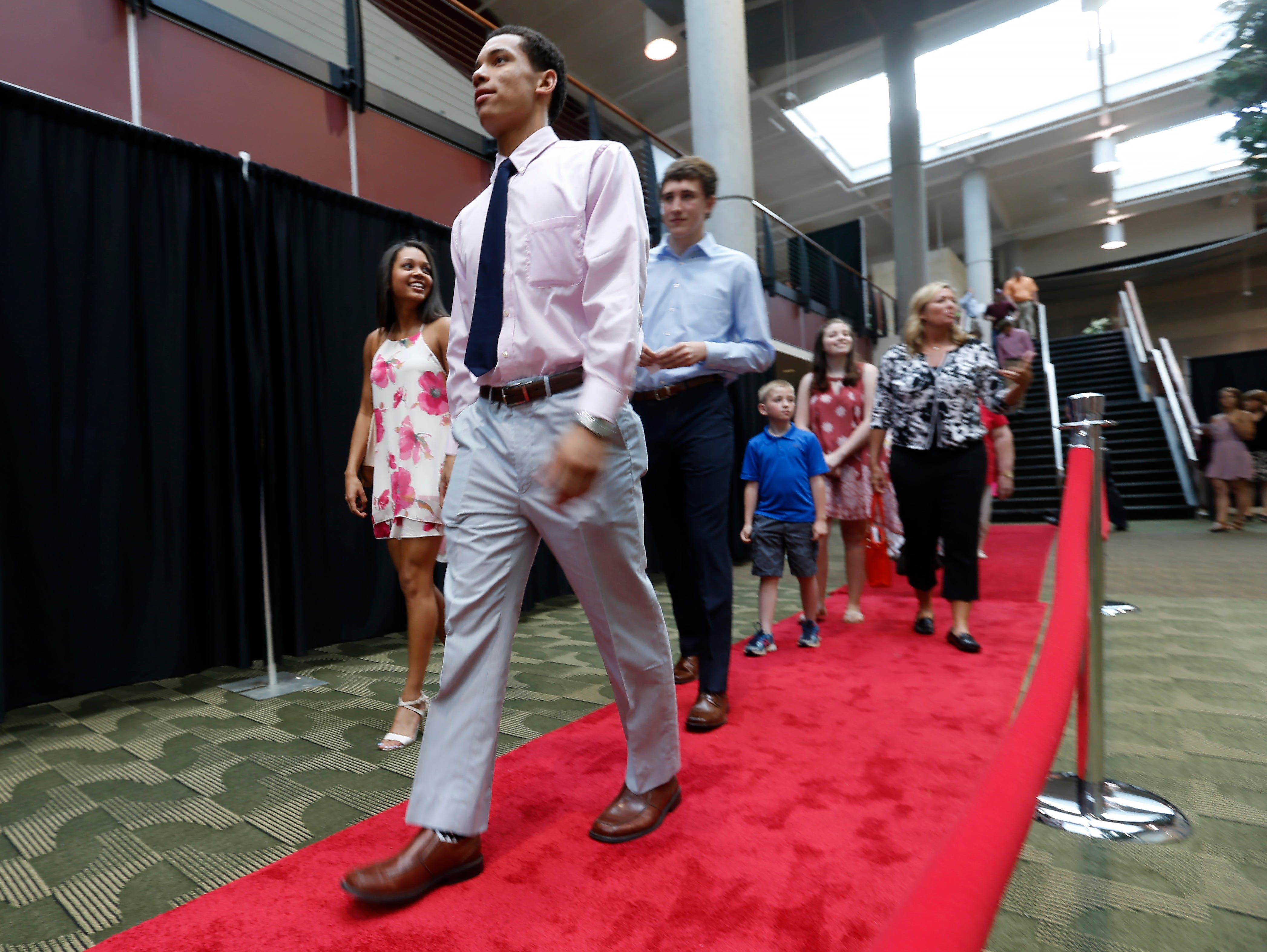 Guests arrive on the red carpet for the 2016 Southwest Missouri Sports Awards at the Springfield Expo Center on Thursday, June 9, 2016.