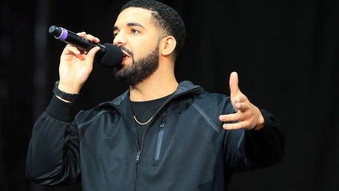 TORONTO, ON - JULY 12:  Singer Drake speaks to the crowd prior to the Floyd Mayweather Jr. v Conor McGregor World Press Tour at Budweiser Stage on July 12, 2017 in Toronto, Canada.  (Photo by Vaughn Ridley/Getty Images)
