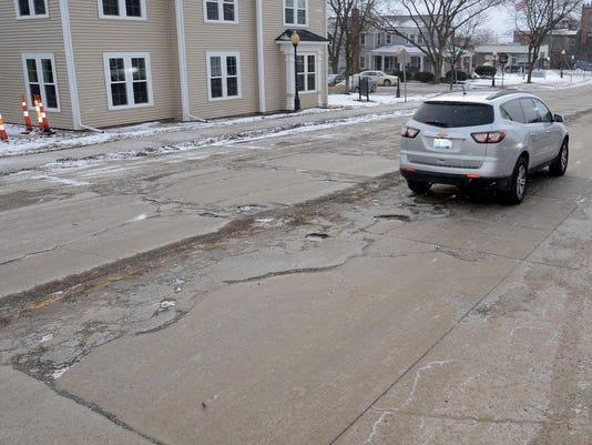 MTO 2 PotholesAlongCommerce