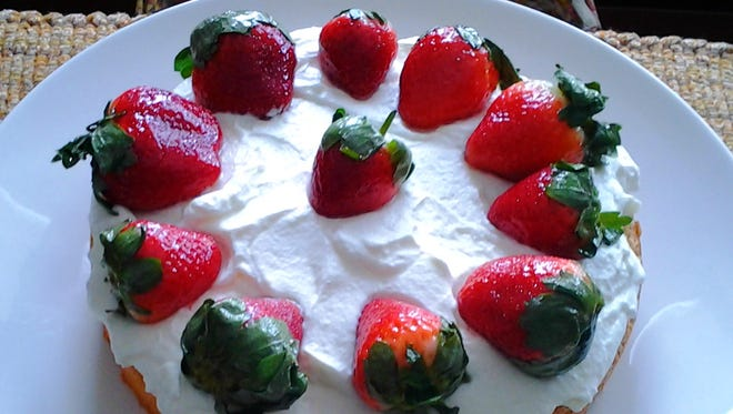 This strawberry cake was served to the author by her grandma Fanni's great-niece during a visit to Austria.