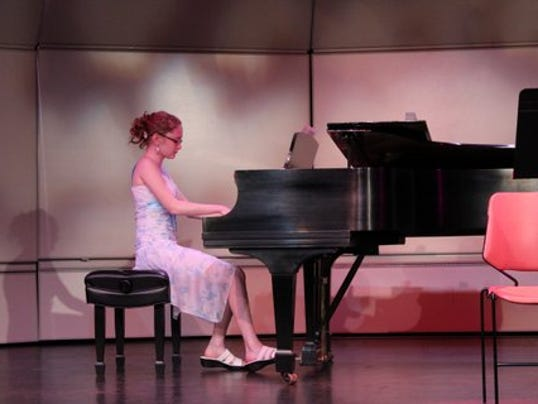 635888118961510247-MusicWorks-Honors-Recital.JPG
