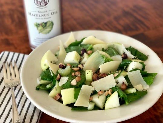 This hazelnut spinach salad with hazelnut oil dressing