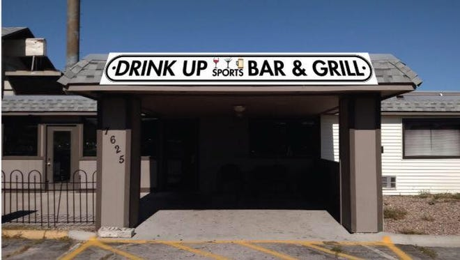 Mellissa Murphy and William Wynkoop have opened a sports bar in Urbandale.
