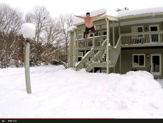 BOSTON SNOW DIVERS