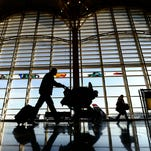 Air fares in the last quarter of 2015 dropped to their lowest level since 2010, according to latest stats from the federal Bureau of Transportation Statistics.