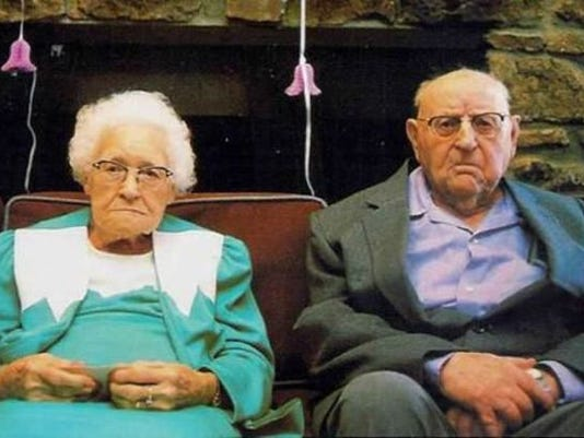 old_couple-743330_4463459_ver1.0_640_480.jpg
