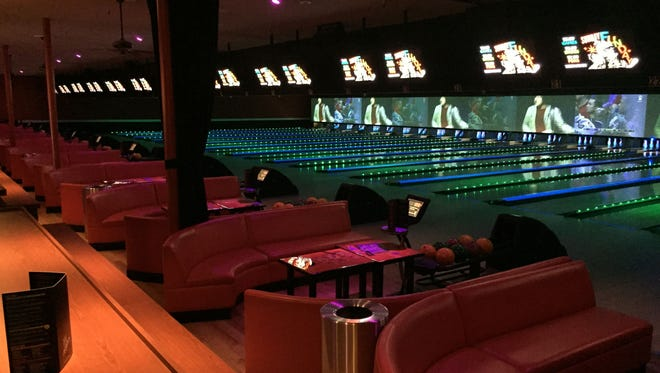 New Bowlmor Scottsdale bowling alley features nightlife flair.