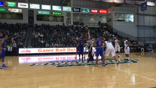 The Binghamton University men's basketball hosted UMass Lowell in the Events Center on Saturday afternoon.