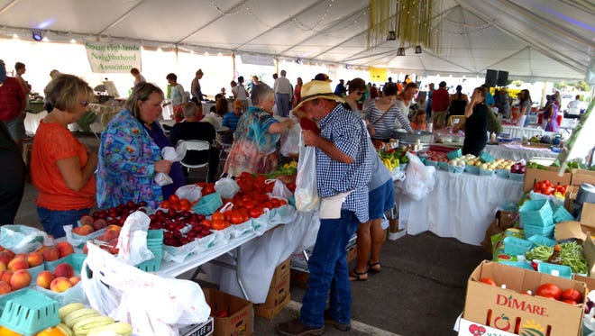 Mall St. Vincent hosts outdoor summer market through July.