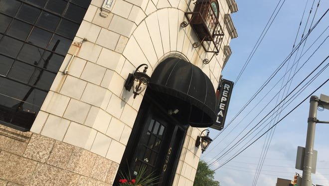 Soft openings begin this week for Repeal on Virginia Avenue, at College Road, in the Fletcher Place neighborhood. This restaurant is from the owners of 12.05 Distillery in Fletcher Place. 12.05 is the date prohibition was repealed in 1933. The historic period is reflected in Repeal.