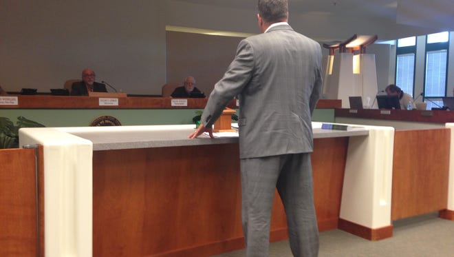 Warren Hardy addresses Mesquite City Council Tuesday.