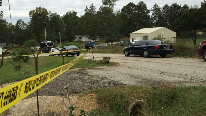 Greenville County sheriff's deputies are investigating a shooting that happened early Sunday morning.