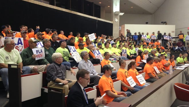 Dozens of project labor agreement supporters and opponents crowded into City Council chambers in City Hall during the Nov. 4 City Council business meeting.