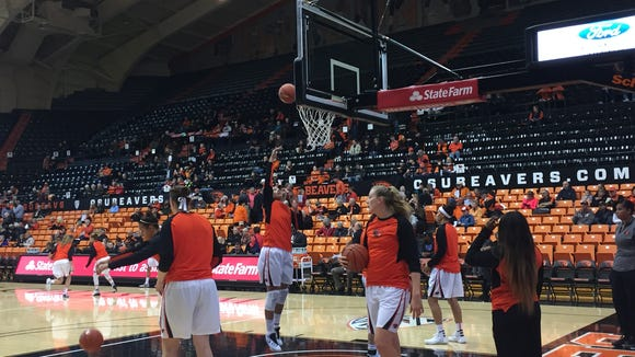 The Oregon State women's basketball team warms up before