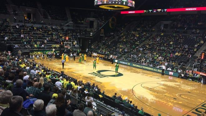 Oregon hosts Valparaiso at Matthew Knight Arena on Sunday.