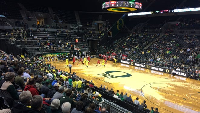 Oregon's men host Fresno State on Monday night.