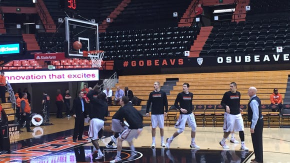 Oregon State warms up prior to its game against Nevada on Dec. 5, 2015 at Gill Coliseum.