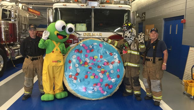 A local SweetFrog will host a New Year's Eve cookie drop.