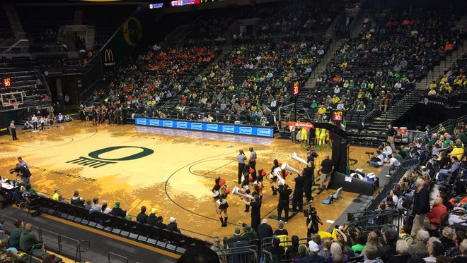 Oregon hosts Oregon State in women's basketball Sunday.