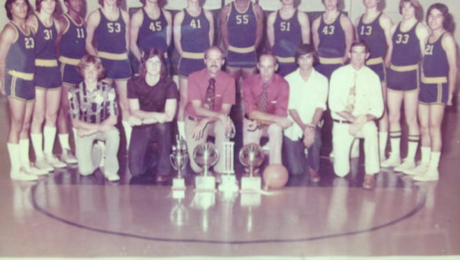 1975-1976 Eastwood Class 4A basketball state championship team.