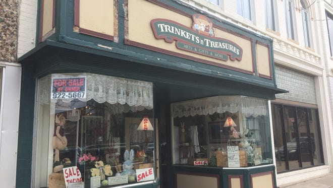 Trinkets and Treasures Art, Gifts and More will close at the end of March after 17 years on South Main Street in Fond du Lac.