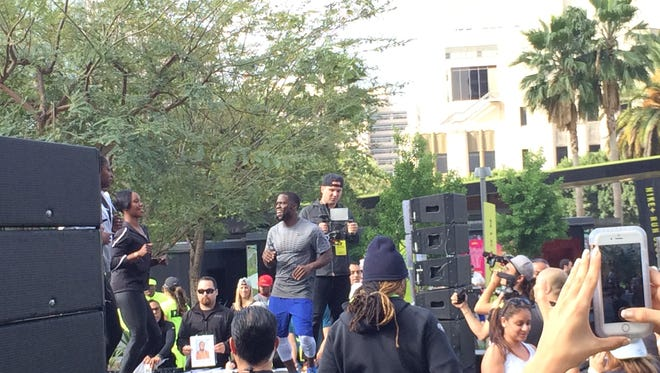 Kevin Hart hosts his Move With Hart workout
