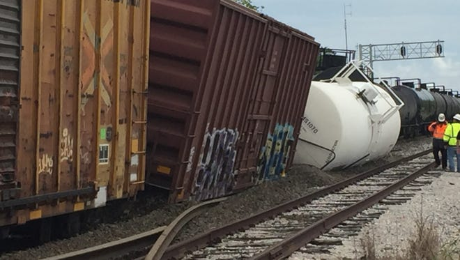 A train derailed near Scott Wednesday, prompting a evacuation. No leaks have been reported.