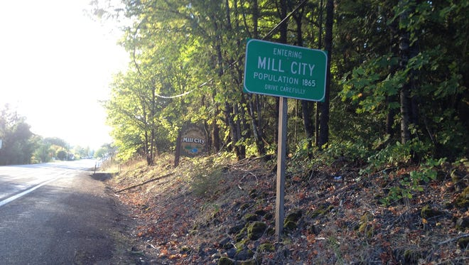 JUSTIN MUCH/stayton Mail Visitors get their first impression of Mill City along Highway 22. Mill City along Highway 22