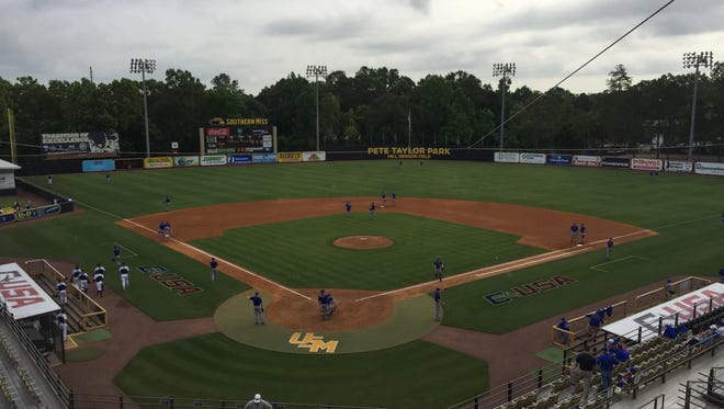Louisiana Tech warms up Wednesday morning for its Conference USA game against Rice.