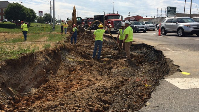 Eubank crews began work at the intersection of Highway 46 and College Street in Dickson.