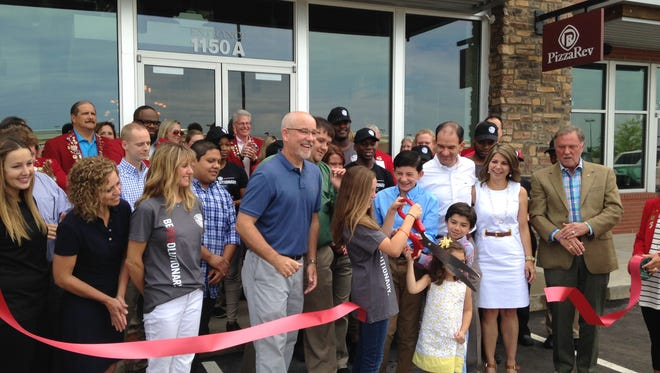 PizzaRev holds grand opening at 1150 Vann Drive