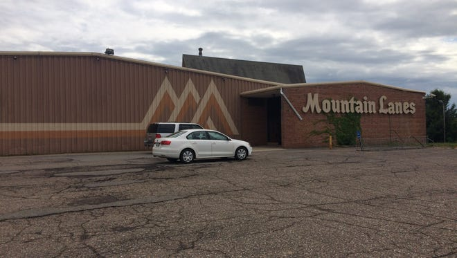 Mountain Lanes will become the new home for Jump On It as Kaileah Koehler and Kham Rattansack take over the popular bowling alley.