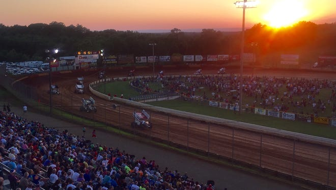 After rained cancelled the PA Speedweek opener at Williams Grove, the series got underway on Saturday at Lincoln Speedway.