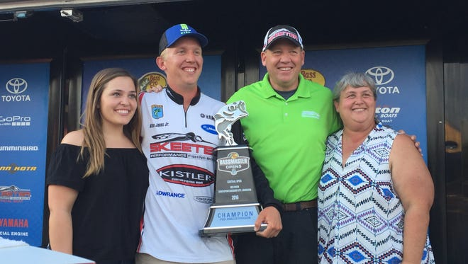 Alton Jones Jr., second from left, poses with his family after winning the 2016 Bass Pro Shops Bassmaster Central  Open on the Red River out of Bossier City.