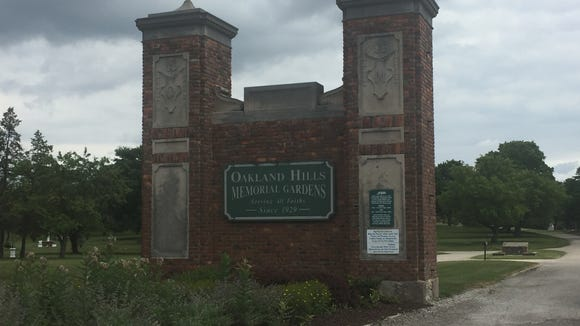 The entrance to the Oakland Hills Cemetery.